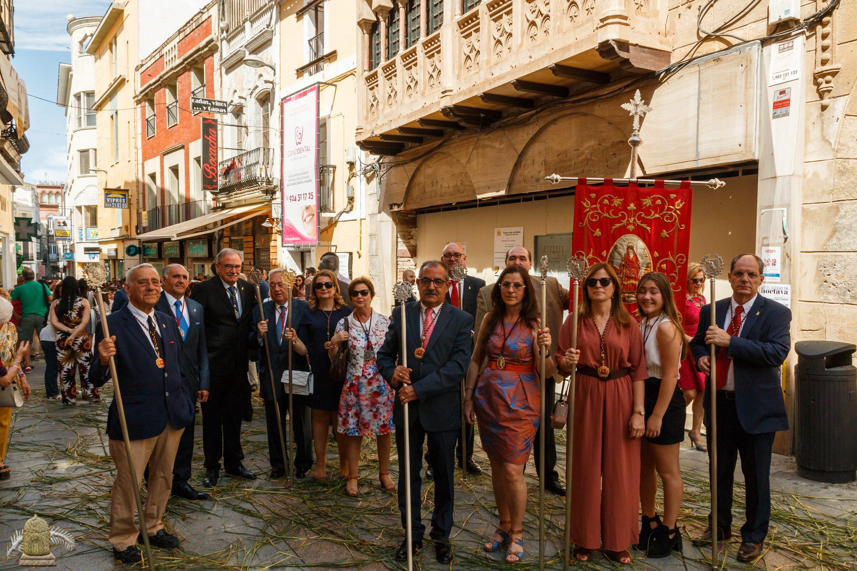 Miembros de la Asociación durante la procesión